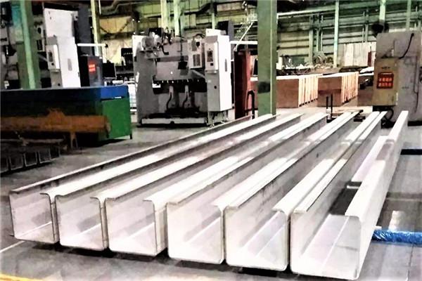 铝合金中厚板焊接厂