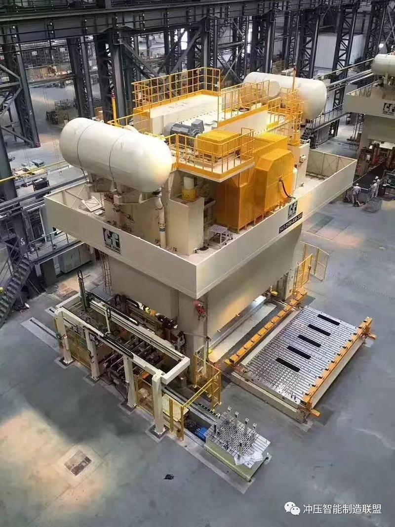 五金汽车冲压工厂自动化生产方式