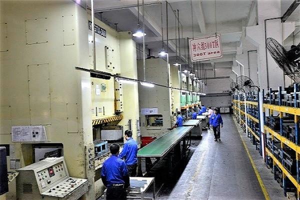 300T冲压流水线-深圳五金公司