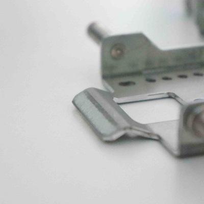 镀铝锌镁板五金冲压件细节